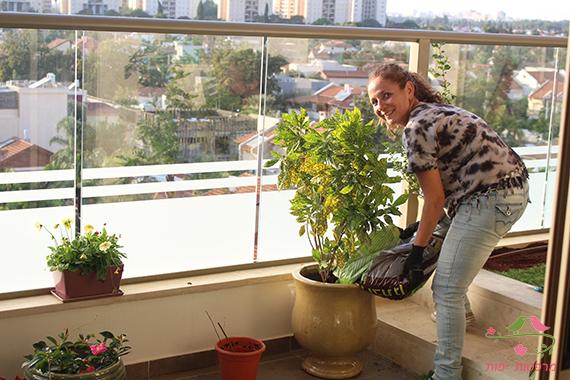 ענבר בן חור מעצבת מרפסות יפות עיצוב גינה במרפסת