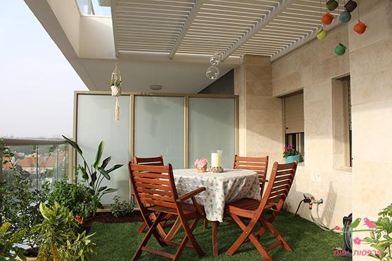 מרפסות יפות גינה במרפסת, יצירת פינת אוכל לאורחים