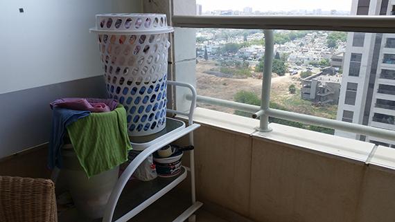המרפסת לפני תהליך העיצוב של מרפסות יפות