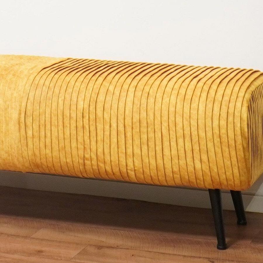 ספסל פסים מעוצב