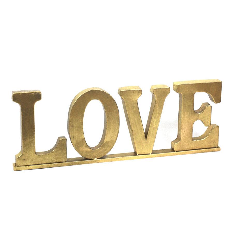 מעמד LOVE לעיצוב הבית