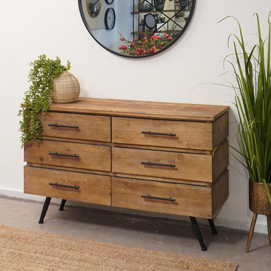קומודה מגירות מעץ לעיצוב חדר שינה