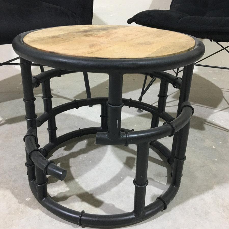 שולחן סלון לדירת גבר רווק