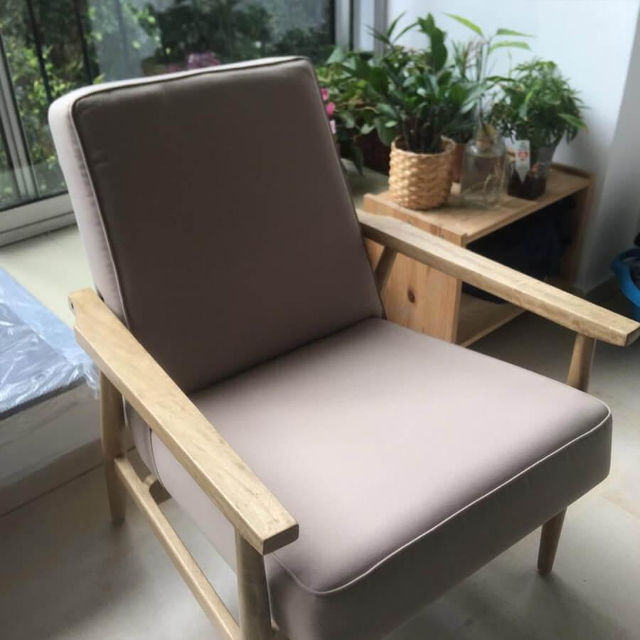 כורסא עץ טבעי כרית בז מרפסות יפות