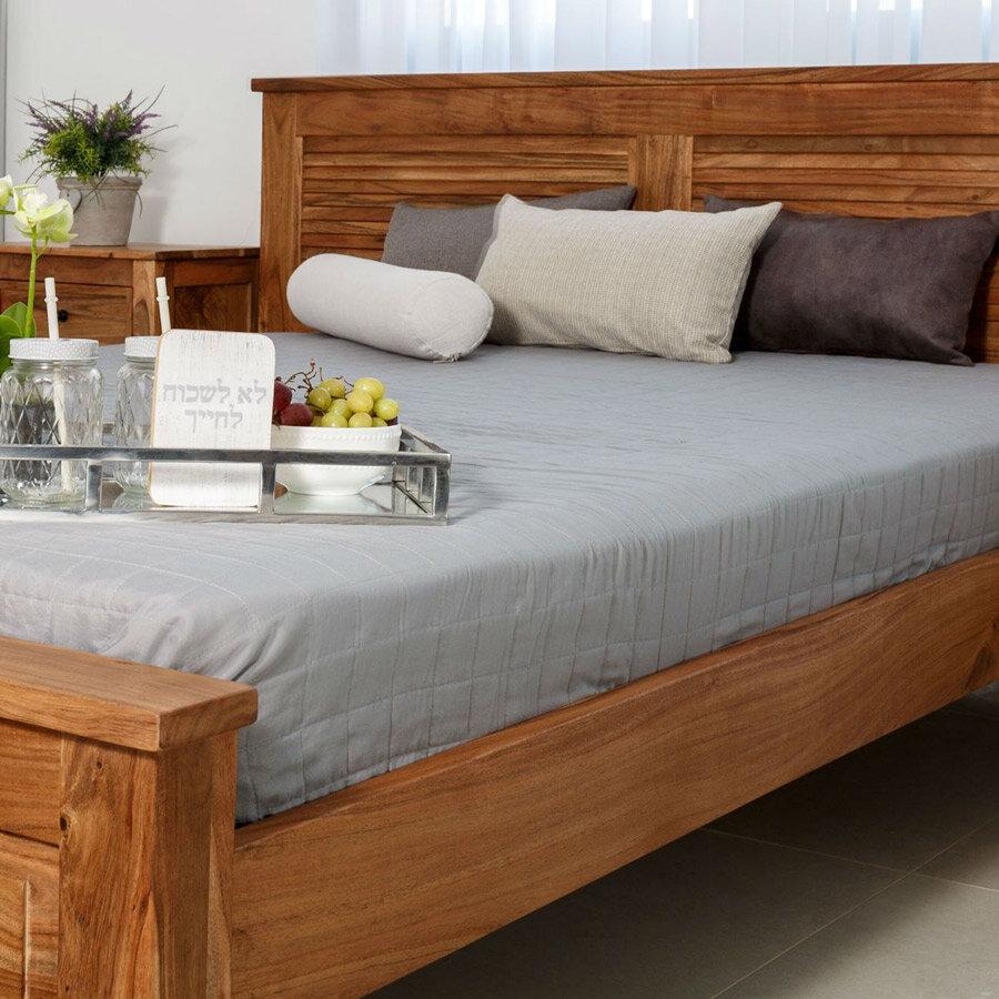 מיטה מעוצבת מעץ מלא דגם תריס מרפסות יפות